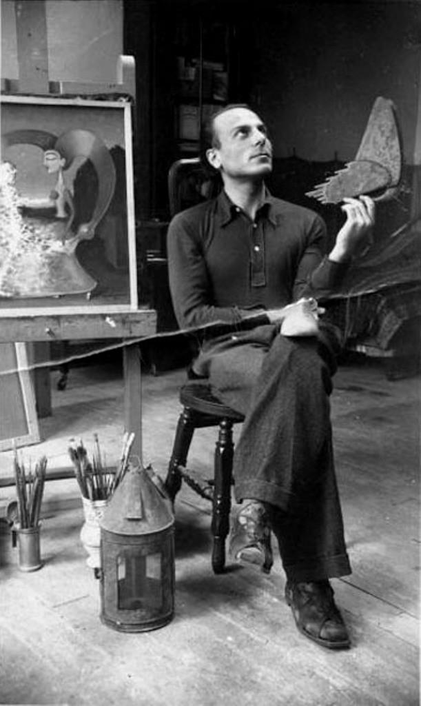 Gherasim Luca in atelierul parizian al lui Victor Brauner, 1938.