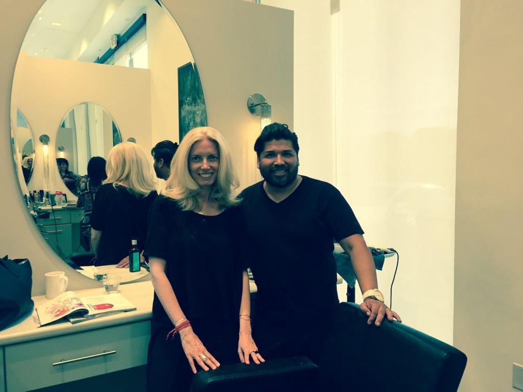 cu Robert Aganza, Hue Salon