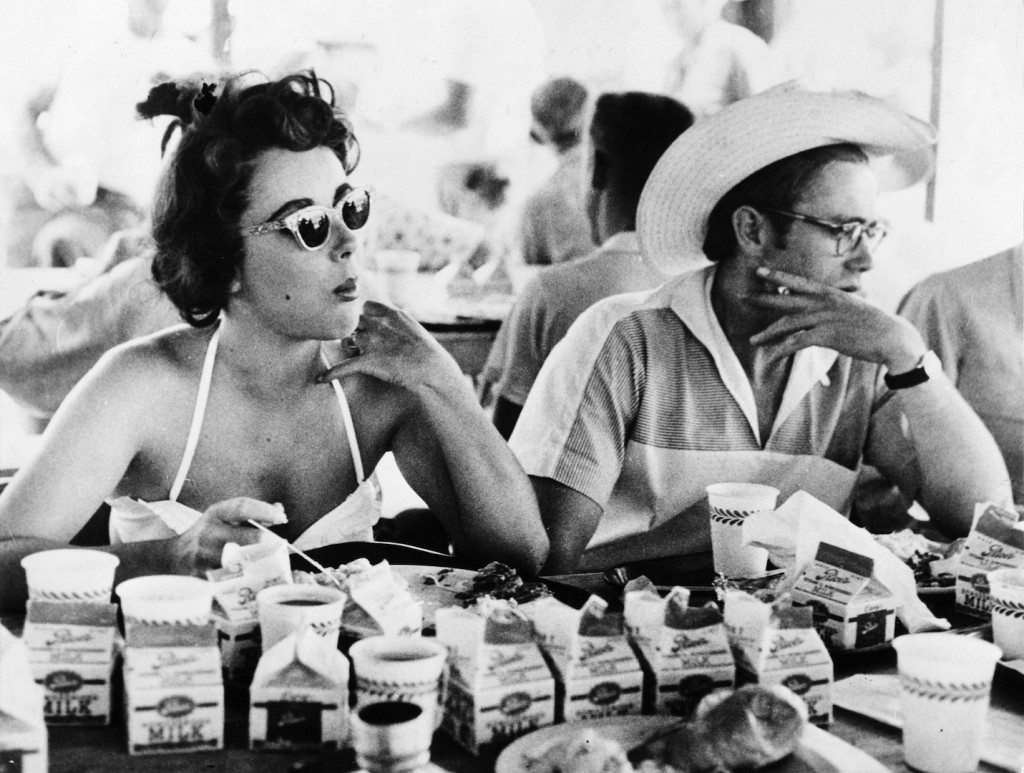 Elizabeth TAYLOR und James DEAN beim Mittagessen, 1955