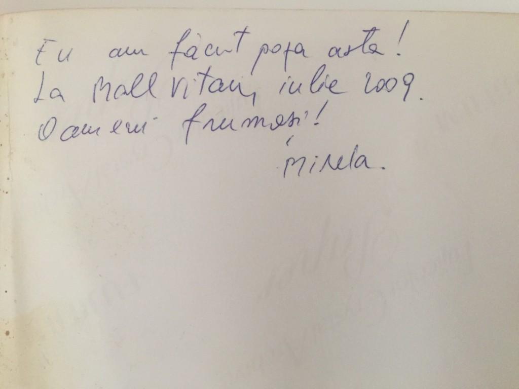 Mirela Bucovicean a scris pe spatele fotografiei, ca sa ne aducem aminte.
