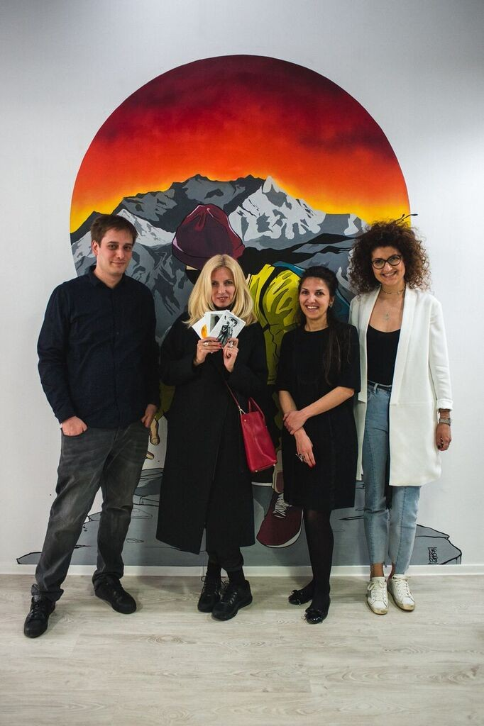 cu Balint si Madalina Hajagos si Alexandra Caspruf, the official opening day