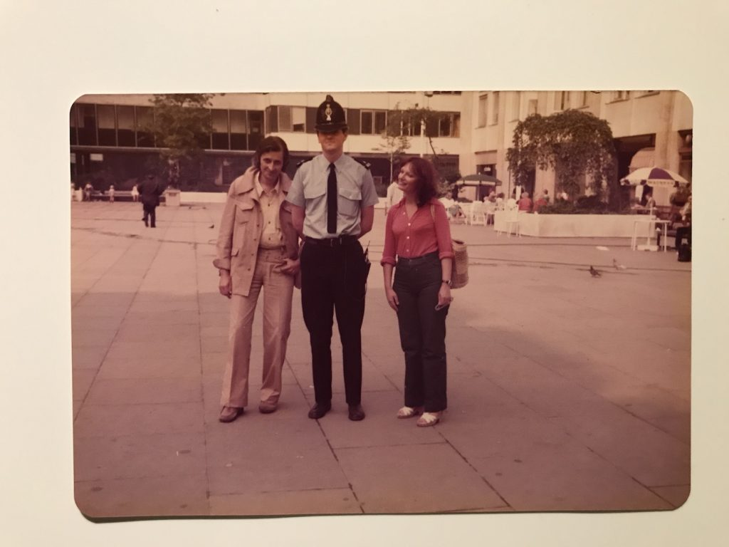 Mama si tata, gradina Turnului Londrei, 1980