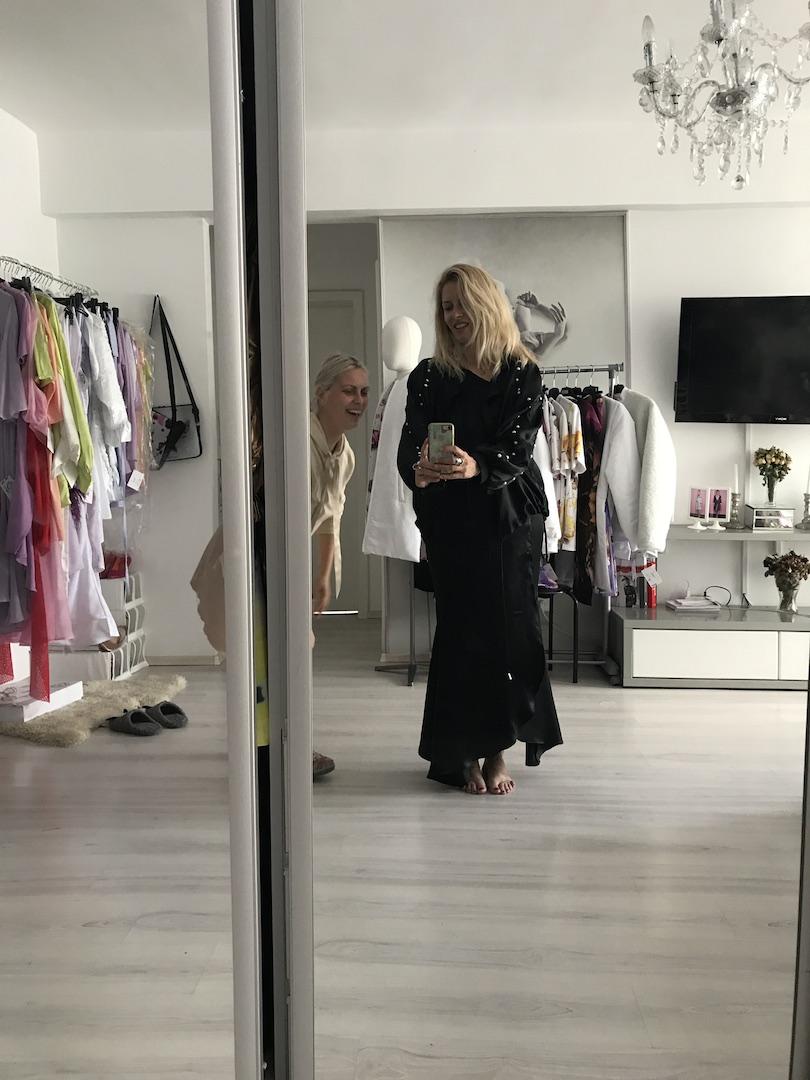 cu Diana Flore, in showroom-ul sau
