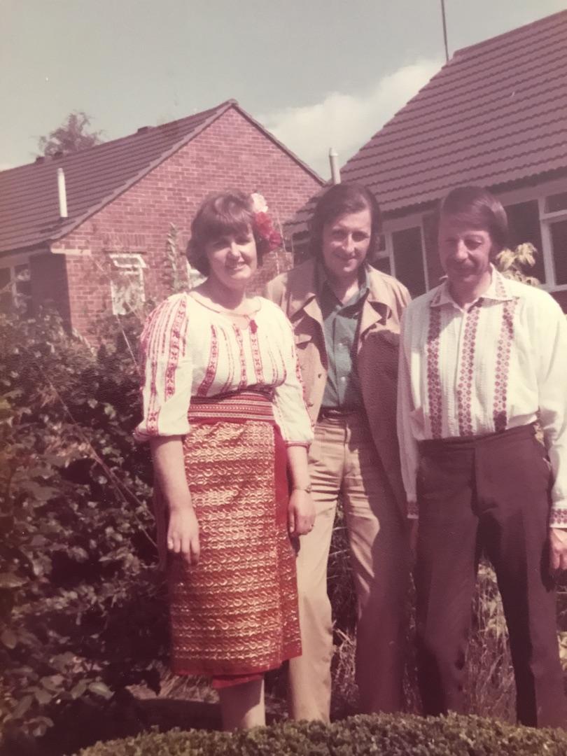 Tata, Eillen si Clive, Anglia, august 1980