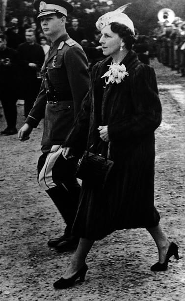 Regina Elena si Regele Mihai de Romania