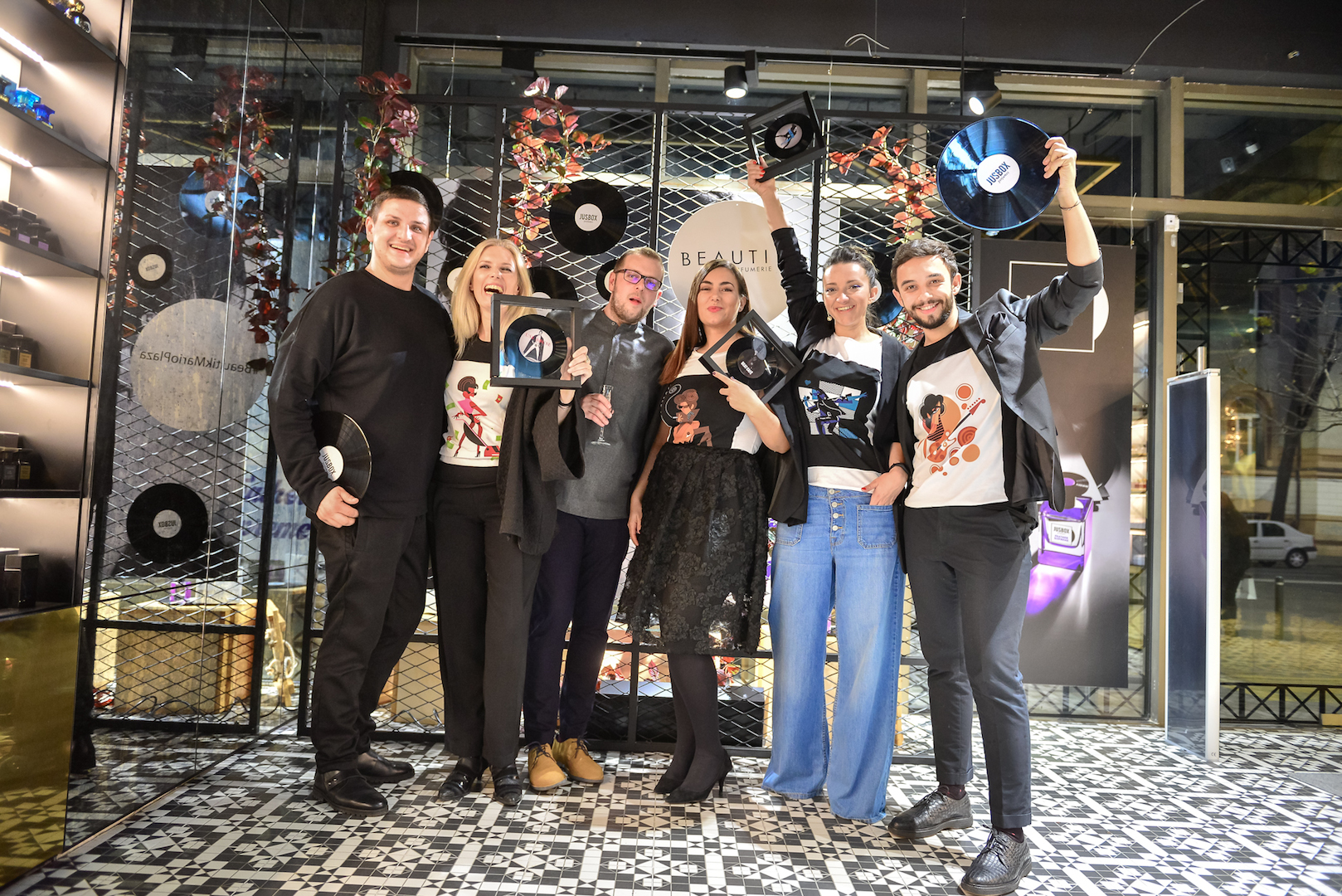 cu Iulian Iovanescu, George Man (Creative Market), Ioana, Dana si Claudiu