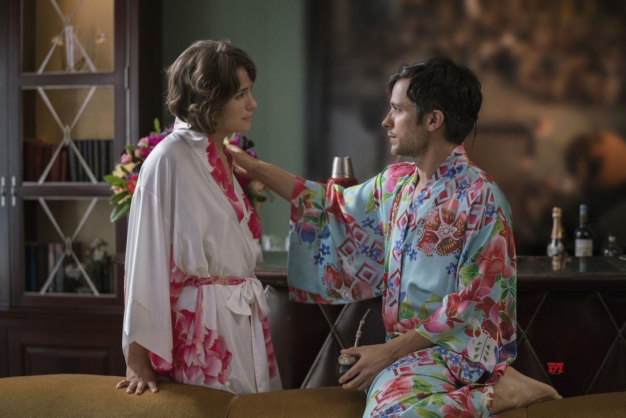 Mozart in the Jungle season 4, cu un royal de kimonouri si kaftane superbe