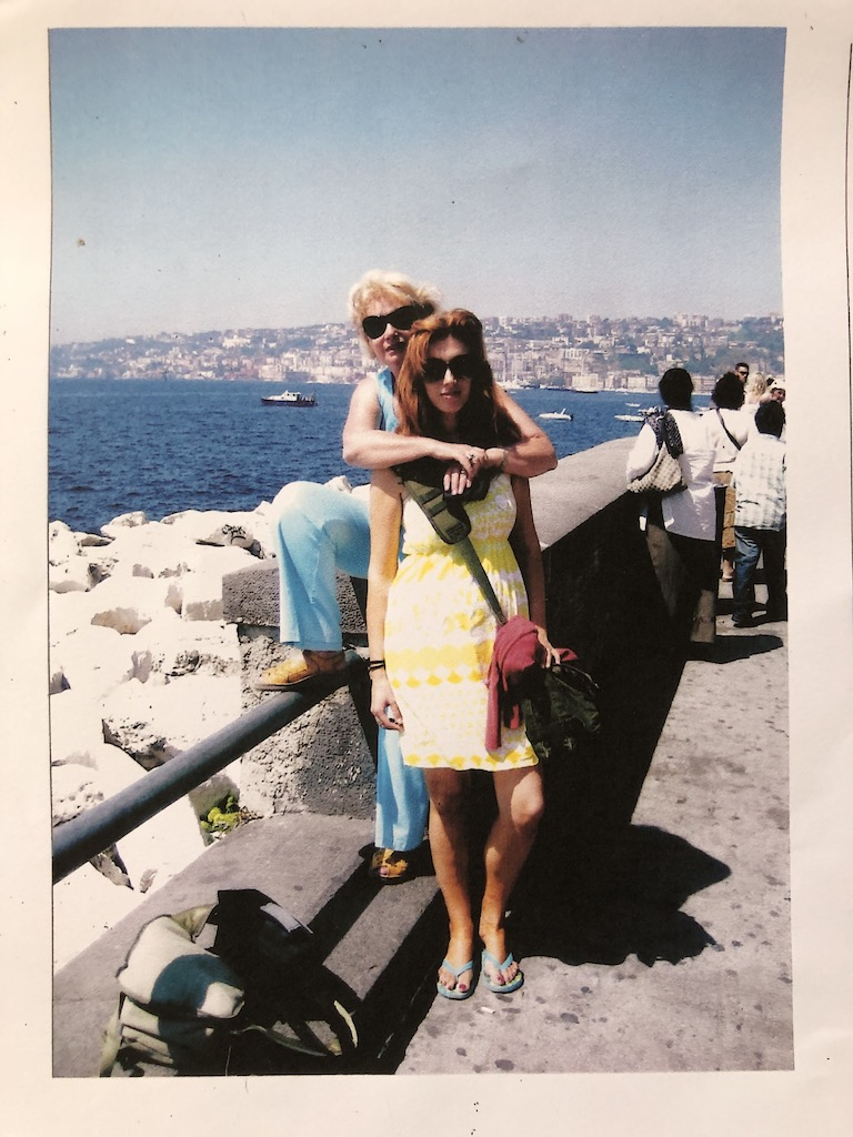 cu mama, la Napoli. August 2007