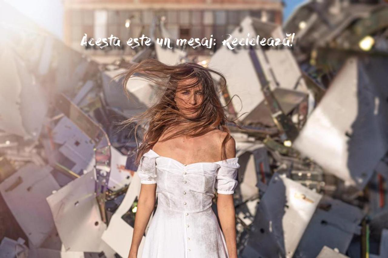 Campania Environ de reciclare, Ana Maria Bucura by The Storyaliast