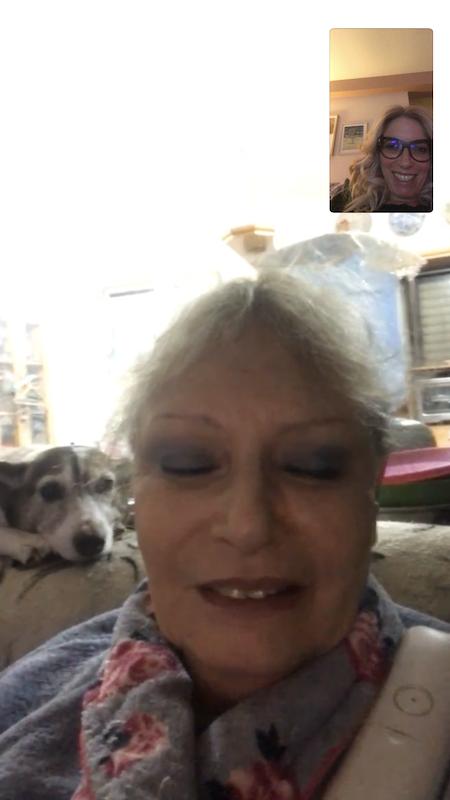 Facetime cu mama si Jacky